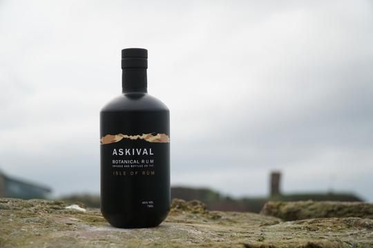 Askival Botanical Rum 45%