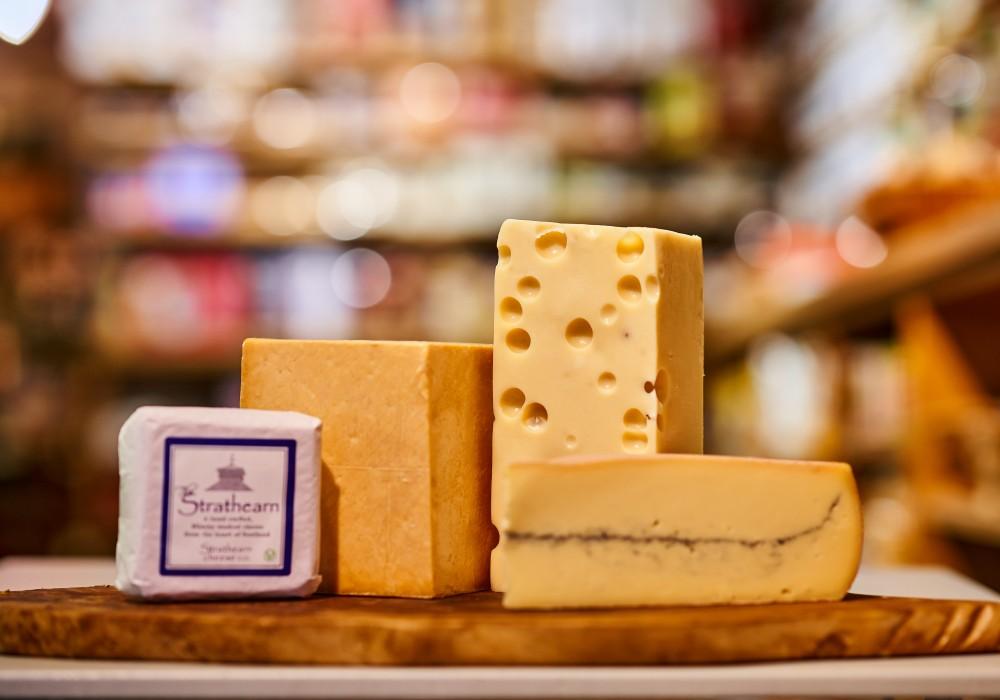 Semi-hard & Crumbly Cheese